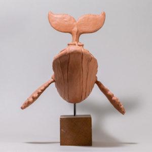 """photo de détails de la sculpture """"baleine"""" 2018 plastiline version original, réaliser par l'artiste Teddy Ros"""