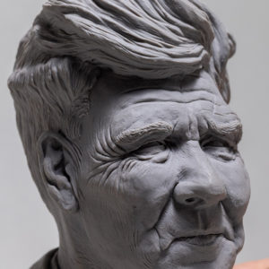 """photo de la sculpture """"David Lynch"""" l'original réaliser par l'artiste Teddy Ros en pâte polymère"""