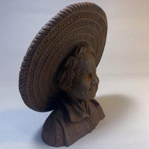 """Photo de la sculpture """"Mamy"""" 2019 sculptée en pâte polymère, tirage résine, patine oxydation forte réaliser par Teddy Ros"""