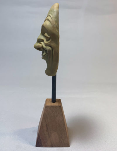 "photo de la sculpture ""masque 01"" 2019 l'original pâte polymère sculpter par Teddy Ros"