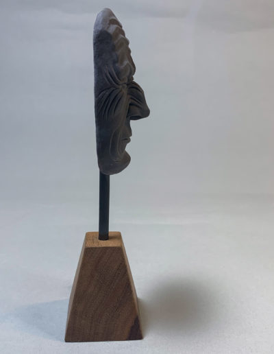 "photo de la sculpture ""masque 02"" 2019 l'original pâte polymère sculpter par Teddy Ros"