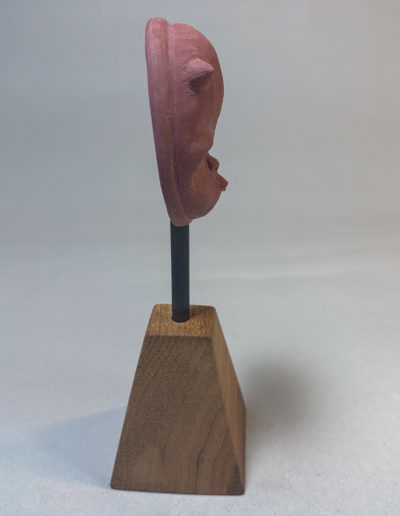 "photo de la sculpture ""masque 05"" 2019 l'original pâte polymère sculpter par Teddy Ros"