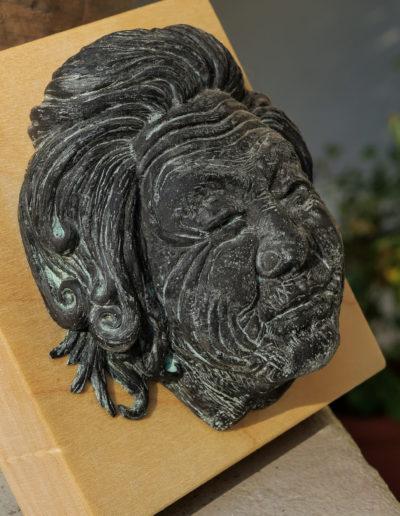 """sculpture """"Mamy Smille"""" 2019, tirage résine bronze bleu."""